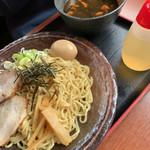 いろは - つけ麺¥920 つけ汁がブラックともうひとつ辛い系の何かあった←忘れたんかーい