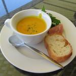 パームビーチ - スープ、サラダ、パンセット