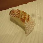 すし暁 - 湯引き鯛