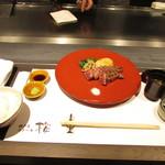 神戸牛ステーキ 桜 - 神戸牛モモ100g 季節の焼き野菜 神戸牛そぼろ ごはん 赤だし