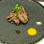 神戸牛ステーキ 桜 - A5等級神戸牛モモ肉の焼きしゃぶ