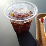 キーズカフェ - ドリンク写真:アイスコーヒー(レギュラーサイズ、280円)