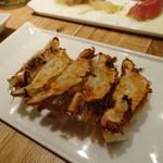 イソガミ ギョウザバル トマコ - 焼き餃子