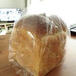 スペイン窯 パンのトラ - 食パン一斤