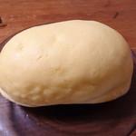 スペイン窯 パンのトラ - 岡崎おうはんクリームパン