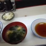 ますだや - 味噌汁と天つゆ