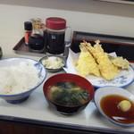 ますだや - 天ぷら定食980円・全景