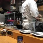 竹末東京Premium - ラーメン調理中