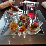 眺遊楼 - 料理写真:前菜。よだれ鶏、クラゲの和えもの、落花生の八角煮。