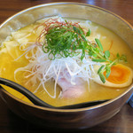 ブリキの木こり - 料理写真:鶏白湯醤油850円、ワンタン【3ヶ】180円