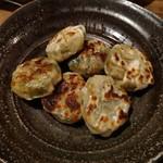 酒菜楽 - ニラ饅頭