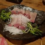 酒菜楽 - カンパチ刺身