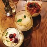 MEGRO Dining - 上からティラミス、レモングラニータ、パンナコッタ(各500円)