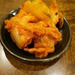 椿ラーメンショップ - サービスのキムチ