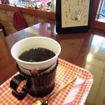 メルカードキッチンまる - 食事に付いているコーヒー券を1階の喫茶コーナーで渡すと頂ける。