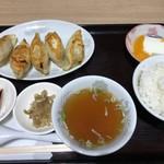 独一処餃子 - 料理写真:餃子定食(680円)
