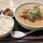 デニーズ - 料理写真:担々麺セット 1132円+税 (担々麺・唐揚げ2・ミニライス)