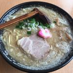 秋田ラーメン はま - 料理写真:味噌ラーメン(830円)