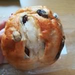 あさか直売所 - ぶどうパン140円