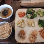さくら食堂 - 料理写真:9種のおかずのさくら食堂プレート¥1,020