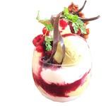 カフェ スフル - ピスタチオとブランマンジェのベリーパフェ780円(税込)
