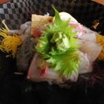 池田丸 - 海鮮丼アップ