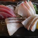 池田丸 - お刺身4種