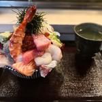 99718298 - 上海鮮丼2000円