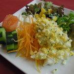 ユーフォニー - 生野菜の種類も豊富