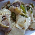 梅林餃子 - 青唐辛子と中国豆腐の炒め物 辛くて旨い!