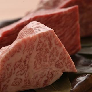 阿蘇の希少なあか牛と厳選黒毛和牛を溶岩ステーキでどうぞ!