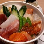 鮨和 - (例)ランチ海鮮丼1680円