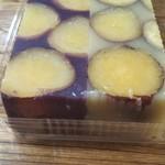 99731228 - お芋と蜂蜜と寒天しか使っていないそうな。 大きなさつま芋がいっぱい入って美味しそう~