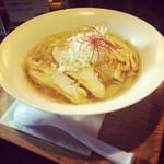 めんちゃや - 名古屋では珍しい鶏清湯と呼ばれるラーメンです。化学調味料には一切頼らず、風味や出汁感を大切にこだわってお作りしております。