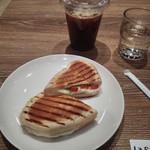 ラ サクラ - パニーニとアイスカフェモカ