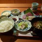 と一 - ランチ刺身定食(三点盛り)セルフコーヒーつき700円 2011年10月19日