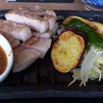 獅子丸 - 三元豚ステーキ