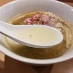 99740796 - 味玉らぁ麺のスープ