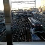 99742343 - いろんな電車が来ます