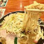 99744212 - 麺は平中太麺