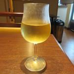 豚カツと和食 のぶたけ - ハウスワイン(白) 450円