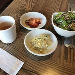 鄭家 コムタン - 野菜サラダ・キムチ・ナムル