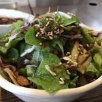 鄭家 コムタン - これなら食える野菜サラダ