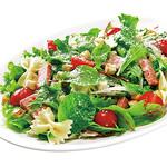 神戸クック ワールドビュッフェ - 『リヨン風サラダ』 野菜と肉厚なハムをふんだんに盛り込んだボリューム満点のサラダ♪