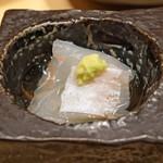 鮨 由う - 青森県産の平目 煎酒で