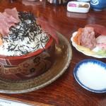 竹寿司 - 戦闘開始!まずしゃりを覆うネタを剥がして、お皿に移動します。