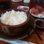 竹寿司 - やっと1.5倍サイズと同じ位まで食べ進めました。
