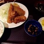 居酒屋 光 - 唐揚げ・いわし・エビフライ定食500円税込み