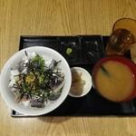 鳥取県・島根県 郷土料理かば - 鯵たたき丼680円ご飯大盛り無料