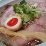 99786280 - 名古屋コーチンと水のみのスープに変わりました!                       めちゃくちゃ深くてまろやかでいて…(;つД`)                       醤油とのバランスもかなり良いと思いました(´- `*)♪